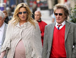 Natural Homepathics Helped Penny Lancaster Get Pregnant